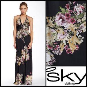 Sky Clothing 💕 Qhorin floral maxi dress